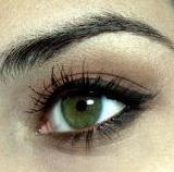 Barna smink zöld szemhez