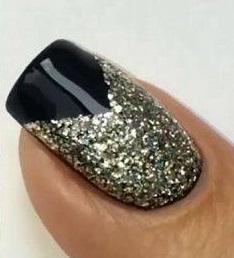 Fekete glitteres köröm
