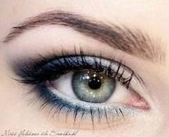 Kék smink zöld szemhez